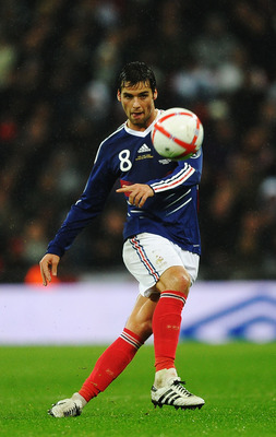 LONDON, ENGLAND - NOVEMBER 17:  Yoann Gourcuff of France controls the ball during the international friendly match between England and France at Wembley Stadium on November 17, 2010 in London, England.  (Photo by Laurence Griffiths/Getty Images)