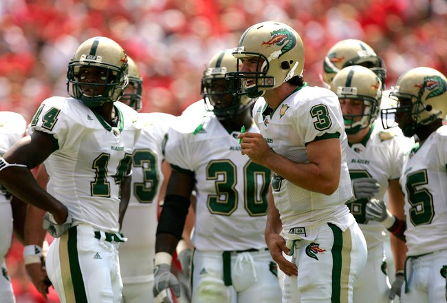 ATHENS, GA - SEPTEMBER 16:  Sam Hunt #3 of the UAB Blazers checks the sidelines for a play during their game against the Georgia Bulldogs on September 16, 2006 at Sanford Stadium in Athens, Georgia.  (Photo by Streeter Lecka/Getty Images)