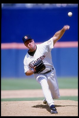 15 Jul 1993:  Pitcher Mark Davis of the San Diego Padres throws a pitch during a game against the Philadelphia Phillies at Jack Murphy Stadium in San Diego, California.  The Padres won the game 4-2. Mandatory Credit: Gary Newkirk  /Allsport