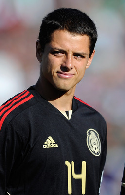 PASADENA, CA - JUNE 25:  Javier Hernandez #14 of Mexico of United States during the 2011 CONCACAF Gold Cup Championship at the Rose Bowl on June 25, 2011 in Pasadena, California.  (Photo by Kevork Djansezian/Getty Images)