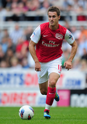 NEWCASTLE UPON TYNE, ENGLAND - AUGUST 13:  Aaron Ramsey of Arsenal in action during the Barclays Premier League match between Newcastle United and Arsenal at St James' Park on August 13, 2011 in Newcastle upon Tyne, England.  (Photo by Shaun Botterill/Get