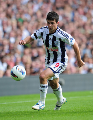 WEST BROMWICH, ENGLAND - AUGUST 14:  Shane Long of West Bromwich Albion in action during the Barclays Premier League match between West Bromwich Albion and Manchester United at The Hawthorns on August 14, 2011 in West Bromwich, England.  (Photo by Shaun B