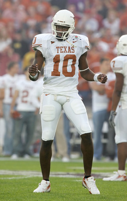 PASADENA, CA - JANUARY 04:  Quarterback Vince Young #10 of the Texas Longhorns dances during warmups before the start of the BCS National Championship Rose Bowl Game against the USC Trojans at the Rose Bowl on January 4, 2006 in Pasadena, California.  Tex
