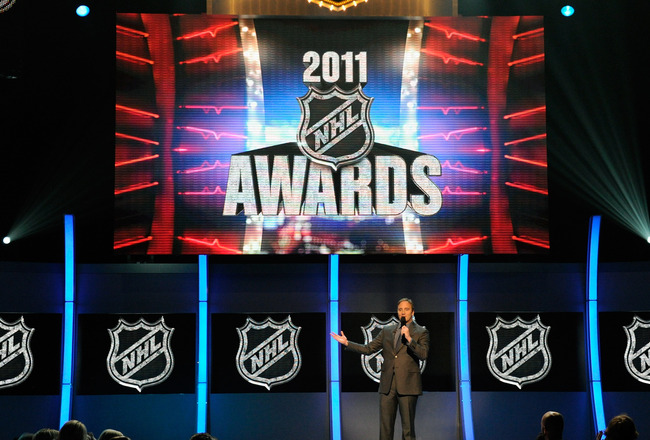 LAS VEGAS, NV - JUNE 22:  Actor/comedian Jay Mohr hosts the 2011 NHL Awards at The Pearl concert theater at the Palms Casino Resort June 22, 2011 in Las Vegas, Nevada.  (Photo by Ethan Miller/Getty Images)