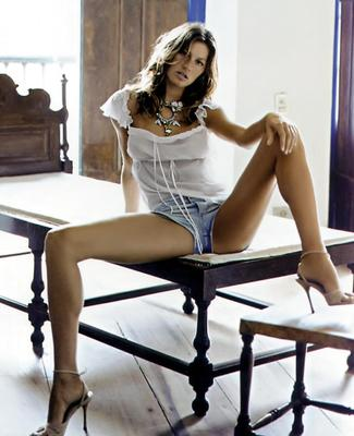 Giselebetterhalf_display_image