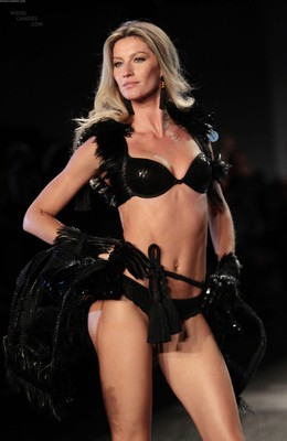 Giselelingerie_display_image