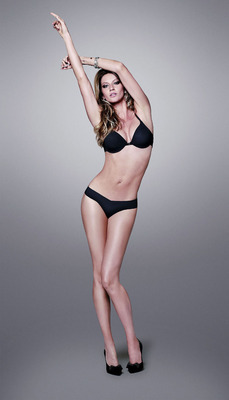 Giselelegs_display_image