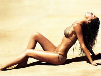 Giselelegswinner_display_image