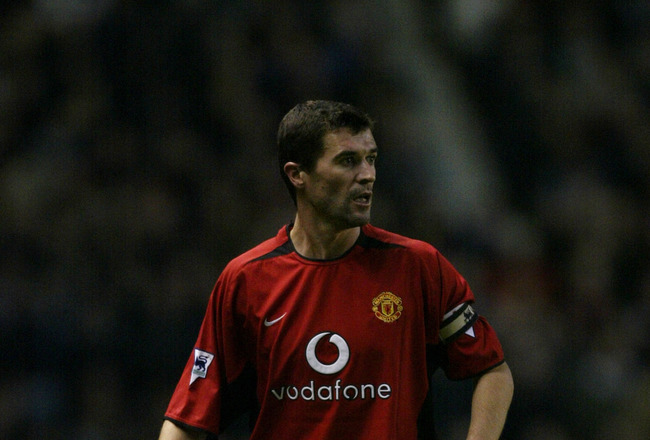 MANCHESTER - DECEMBER 28:  Roy Keane of Manchester United standing with the ball during the FA Barclaycard Premiership match between Manchester United and Birmingham City held on December 28, 2002 at Old Trafford in Manchester, England.  Manchester United