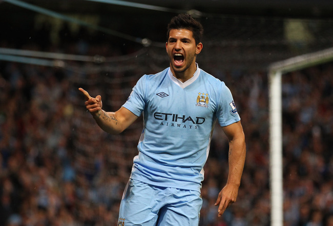 MANCHESTER, ENGLAND - AUGUST 15:  Sergio Aguero of Manchester City celebrates after scoring the second goal during the Barclays Premier League match between Manchester City and Swansea City at Etihad Stadium on August 15, 2011 in Manchester, England.  (Ph