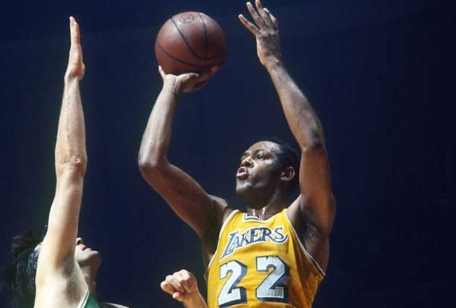 Nba-los-angeles-lakers-22-elgin-baylor-basketball-jersey-yellow_crop_650x440