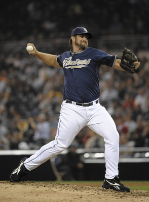 SAN DIEGO, CA - AUGUST 15:  Heath Bell #21 of the San Diego Padres pitches during the ninth inning of a baseball game against the New York Mets at Petco Park on August 15, 2011 in San Diego, California. The Mets won 5-4.  (Photo by Denis Poroy/Getty Image