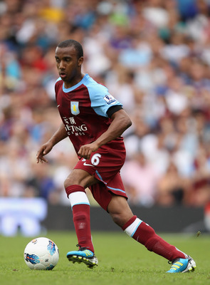 LONDON, ENGLAND - AUGUST 13:  Charles N'Zogbia of Aston Villa runs with the ball during the Barclays Premier League match between Fulham and Aston Villa at Craven Cottage on August 13, 2011 in London, England.  (Photo by Ian Walton/Getty Images)