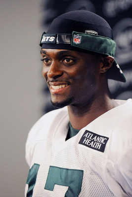 FLORHAM PARK, NJ - AUGUST 07:  Plaxico Burress #17 of the New York Jets speaks to the media at NY Jets Practice Facility on August 7, 2011 in Florham Park, New Jersey.  (Photo by Patrick McDermott/Getty Images)