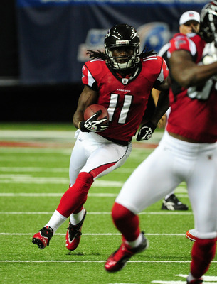 ATLANTA - AUGUST 12: Julio Jones #11 of the Atlanta Falcons carries the ball against the Miami Dolphins during a preseason game at the Georgia Dome on August 12, 2011 in Atlanta, Georgia. (Photo by Scott Cunningham/Getty Images)
