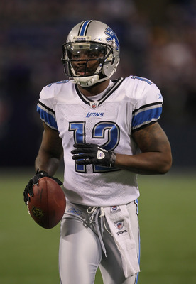 MINNEAPOLIS - SEPTEMBER 26:  Wide receiver Derrick Williams #12 of the Detroit Lions warms up prior to the start of the game against the Minnesota Vikings at Mall of America Field on September 26, 2010 in Minneapolis, Minnesota.  (Photo by Jeff Gross/Gett
