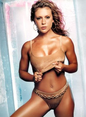 Alyssa_milano_hot_girl_bronze_display_image