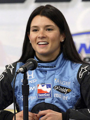Car-danica-patrick-race-4_display_image