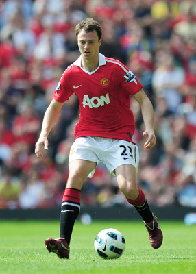 MANCHESTER, ENGLAND - APRIL 23:  Jonny Evans of Manchester United in action during the Barclays Premier League match between Manchester United and Everton at Old Trafford on April 23, 2011 in Manchester, England.  (Photo by Shaun Botterill/Getty Images)