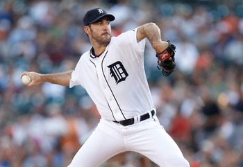 DETROIT, MI - AUGUST 16: Justin Verlander #35 of the Detroit Tigers pitches in the first inning against the Minnesota Twins at Comerica Park on August 16,  2011 in Detroit, Michigan. (Photo by Gregory Shamus/Getty Images)