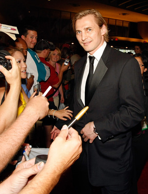 LAS VEGAS - JUNE 18:  Sergei Fedorov of the Washington Capitals arrives at the 2009 NHL Awards at the Palms Casino Resort on June 18, 2009 in Las Vegas, Nevada.  (Photo by Ethan Miller/Getty Images)