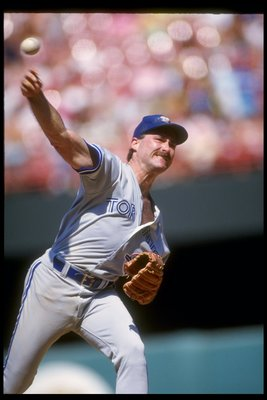 1990:  Pitcher Dave Stieb of the Toronto Blue Jays throws a pitch during a game. Mandatory Credit: Stephen Dunn  /Allsport