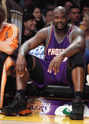 LOS ANGELES, CA - FEBRUARY 26:  Shaquille O'Neal #32 of the Phoenix Suns sits on the bench during the NBA game against the Los Angeles Lakers at Staples Center on February 26, 2009 in Los Angeles, California.    The Lakers defeated the Suns 132-106.  NOTE