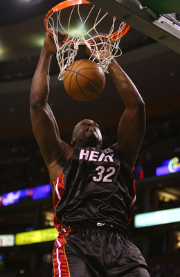 BOSTON - NOVEMBER 16:  Shaquille O'Neal #32 of the Miami Heat dunks the ball in the first half against the Boston Celtics on November 16, 2007 at the TD Banknorth Garden in Boston, Massachusetts. NOTE TO USER: User expressly acknowledges and agrees that,