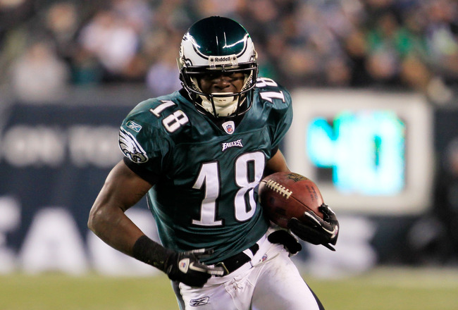 PHILADELPHIA, PA - JANUARY 09:  Jeremy Maclin #18 of the Philadelphia Eagles runs down field against the Green Bay Packers during the 2011 NFC wild card playoff game at Lincoln Financial Field on January 9, 2011 in Philadelphia, Pennsylvania.  (Photo by C