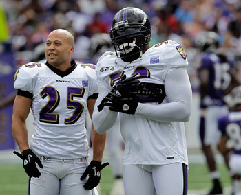 BALTIMORE, MD - AUGUST 06: Chris Carr #25 and Ray Lewis #52 of the Baltimore Ravens looks on during training camp at M&T Bank Stadium on August 6, 2011 in Baltimore, Maryland.  (Photo by Rob Carr/Getty Images)