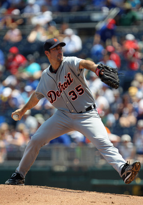 KANSAS CITY, MO - JULY 10:  Starting pitcher Justin Verlander #35 of the Detroit Tigers pitches during the game against the Kansas City Royals on July 10, 2011 at Kauffman Stadium in Kansas City, Missouri.  (Photo by Jamie Squire/Getty Images)