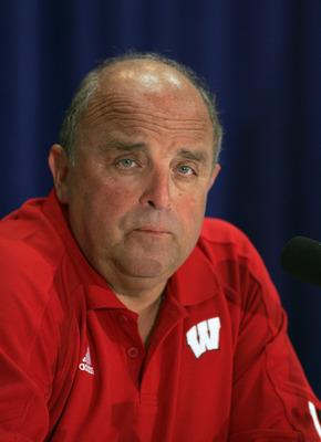 ORLANDO, FL - JANUARY 2:  Head coach Barry Alvarez of the Wisconsin Badgers talks to the press after winning the Capital One Bowl against the Auburn Tigers at the Florida Citrus Bowl on January 2, 2006 in Orlando, Florida. (Photo by Doug Benc/Getty Images