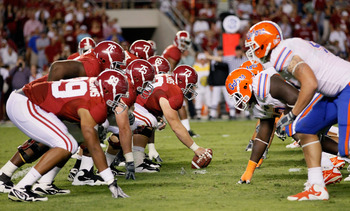 TUSCALOOSA, AL - OCTOBER 02:  The offense of the Alabama Crimson Tide against the defense of the Florida Gators at Bryant-Denny Stadium on October 2, 2010 in Tuscaloosa, Alabama.  (Photo by Kevin C. Cox/Getty Images)