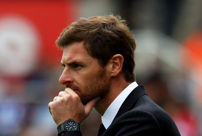 STOKE ON TRENT, ENGLAND - AUGUST 14:  Andre Villas-Boas the Chelsea manager directs his players during the Barclays Premier League match between Stoke City and Chelsea at the Britannia Stadium on August 14, 2011 in Stoke on Trent, England.  (Photo by Cliv
