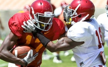 Marqise Lee fighting for yards after catch in USC 2011 Fall Scrimmage #2 at the LA Coliseum