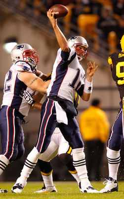 PITTSBURGH, PA - NOVEMBER 14: Tom Brady #12 of the New England Patriots drops back to pass during the game against the Pittsburgh Steelers on November 14, 2010 at Heinz Field in Pittsburgh, Pennsylvania.  (Photo by Jared Wickerham/Getty Images)