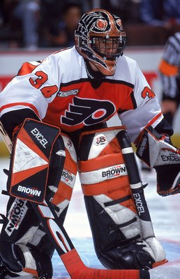 3 Nov 1999: Goalie John Vanbiesbrouck #34 of the Philadelphia Flyers is ready for the puck during the game against the Anaheim Mighty Ducks at the Arrowhead Pond in Anaheim, California. The Flyers ties the Ducks 3-3.
