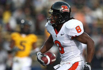 BERKELEY, CA - OCTOBER 24: James Rodgers #8 of the Oregon State Beavers scores a touchdown against the California Golden Bears at California Memorial Stadium on November 7, 2009 in Berkeley, California. (Photo by Jed Jacobsohn/Getty Images)