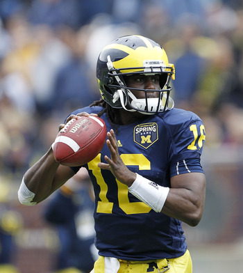 ANN ARBOR, MI - APRIL 16: Denard Robinson #16 of the Michigan Wolverines drops back to pass during the annual Spring Game at Michigan Stadium on April 16, 2011 in Ann Arbor, Michigan.  (Photo by Leon Halip/Getty Images)