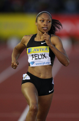 LONDON, ENGLAND - AUGUST 13:  Allyson Felix of the USA in action in the Womens 200 metres during the Aviva London Grand Prix at Crystal Palace on August 13, 2010 in London, England.  (Photo by Stu Forster/Getty Images)