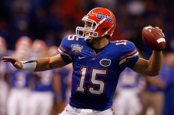 NEW ORLEANS - JANUARY 01:  Quarterback Tim Tebow #15 of the Florida Gators throws a pass against the Cincinnati Bearcats during the Allstate Sugar Bowl at the Louisana Superdome on January 1, 2010 in New Orleans, Louisiana.  (Photo by Matthew Stockman/Get