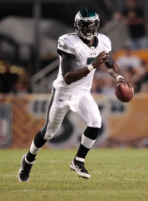 PITTSBURGH - AUGUST 18:  Michael Vick #7 of the Philadelphia Eagles runs with the ball against the Pittsburgh Steelers during the preseason game on August 18, 2011 at Heinz Field in Pittsburgh, Pennsylvania.  (Photo by Jared Wickerham/Getty Images)