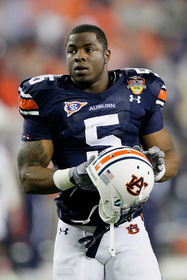 GLENDALE, AZ - JANUARY 10:  Michael Dyer #5 of the Auburn Tigers looks on against the Oregon Ducks during the Tostitos BCS National Championship Game at University of Phoenix Stadium on January 10, 2011 in Glendale, Arizona.  (Photo by Kevin C. Cox/Getty 