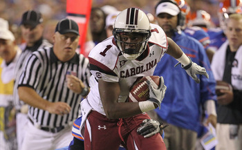 GAINESVILLE, FL - NOVEMBER 13:  Alshon Jeffery #1 of the South Carolina Gamecocks rushes during a game against the Florida Gators at Ben Hill Griffin Stadium on November 13, 2010 in Gainesville, Florida.  (Photo by Mike Ehrmann/Getty Images)