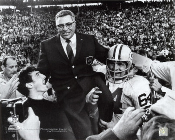 Vince-lombardi-being-carried-off-the-field-after-the-packers-beat-the-raiders-in-superbowl-ii_display_image