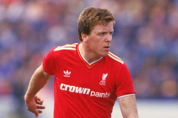 Scottish footballer Steve Nicol of Liverpool FC during a match against Chelsea, 1986. Liverpool won 1-0. (Photo by David Cannon/Getty Images)