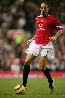 MANCHESTER, ENGLAND - NOVEMBER 7: Rio Ferdinand of Manchester United during the FA Barclays Premiership match between Manchester United and Manchestrer City at Old Trafford on November 7, 2004 in Manchester, England.  (Photo by Laurence Griffiths/Getty Im