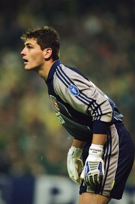 1 May 2001:  Iker Casillas of Real Madrid in action during the UEFA Champions League semi-finals first leg match against Bayern Munich played at the Bernabeu, in Madrid, Spain. Bayern Munich won the match 1-0. \ Mandatory Credit: Clive Brunskill /Allsport