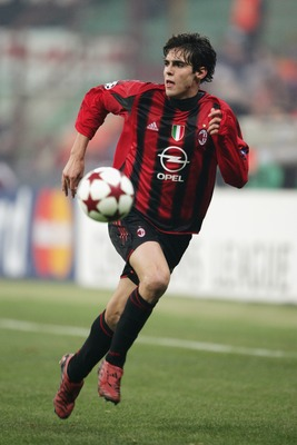 MILAN, ITALY - NOVEMBER 24:  Kaka of Milan in action during the UEFA Champions League Group F match between AC Milan and Shakhtar Donetsk at the San Siro on November 24, 2004 in Milan, Italy.  (Photo by Clive Mason/Getty Images)