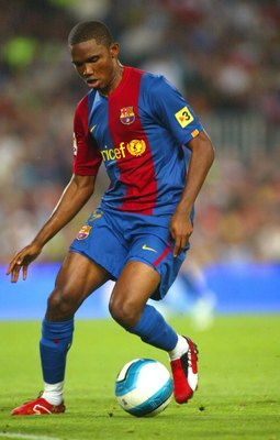 BARCELONA, SPAIN - SEPTEMBER 24: Samuel Etoo of Barcelona runs in action during the match between FC Barcelona and Valencia, of La Liga, on September 2006, played at the Camp Nou stadium in Barcelona, Spain. (Photo by Luis Bagu/Getty Images).